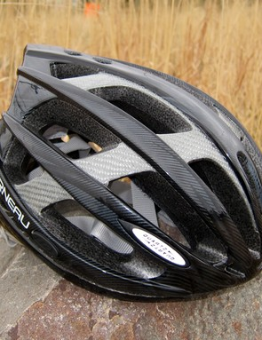 The Louis Garneau Quartz helmet is very reasonably priced but yet packs a much bigger punch than you'd expect at this level