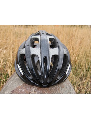 Louis Garneau lists 33 vents on its Quartz helmet but in reality, it's the big ones that do the lion's share of the work