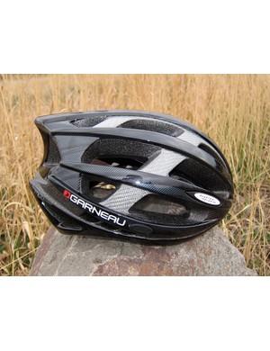 Louis Garneau has given its mid-range Quartz helmet a sleek, low-profile appearance