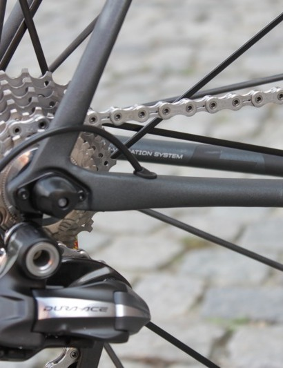 The Di2 model features internal cable routing
