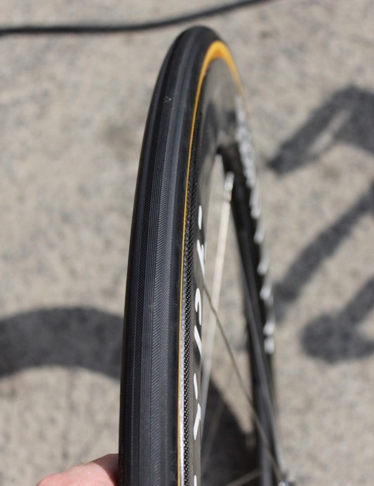 Even though the new Vittoria Evo SC tire is 23mm wide, the 28mm-wide rim sticks out well beyond its profile