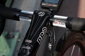 PRO's big carbon Vibe Sprint stem; Cavendish rides a 135mm length