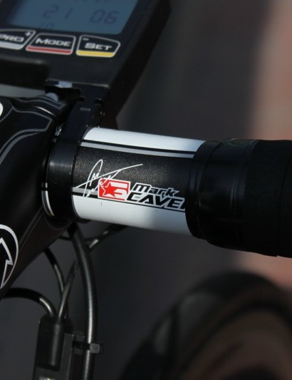 The 7000-series handlebar is emblazoned with Cavendish's autograph, as a signature component