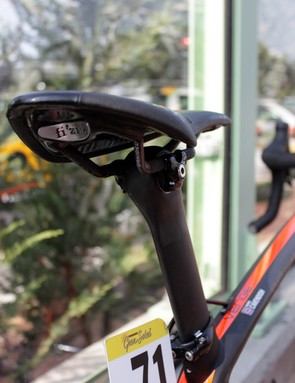 HTC mechanics fixed a special Shimano made Di2 battery inside the Venge's seatpost; Cavendish is one of the few with it mounted internally