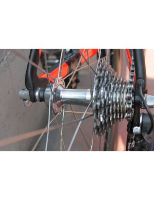 Cavendish uses Shimano's standard Dura-Ace 7900 hubs