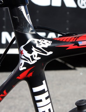 California's state animal is prominently displayed on the seat cluster of Chris Horner's (Team Radioshack) new Trek Madone 6.9 SSL.