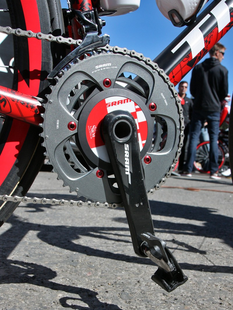 Chris Horner's (Team Radioshack) Trek Madone 6.9 SSL has a SRAM S975 SRM power meter installed and yet it still is only a couple hundred grams over the UCI weight limit.