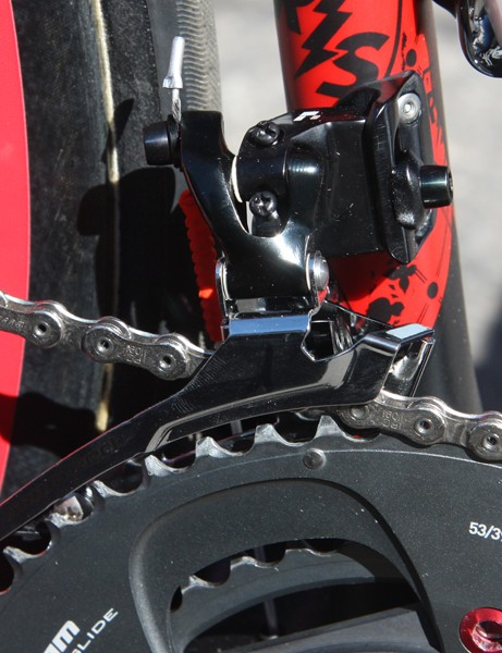Chris Horner's (Team Radioshack) SRAM Red Black front derailleur uses a steel cage instead of the standard titanium one.
