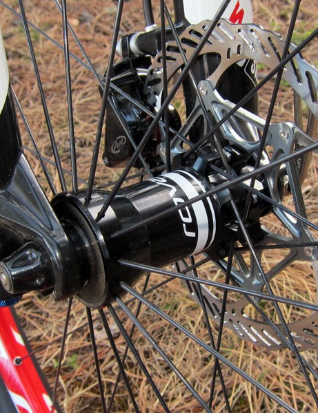 The oversized front hub is compatible with 9mm quick-release or 15 and 20mm thru-axle systems