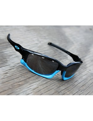 Oakley have added this new 'sky blue' color option to their collection, though the company's sports marketing man, Steve Blick, is quick to point out that it's not quite the same tint used by the Sky team