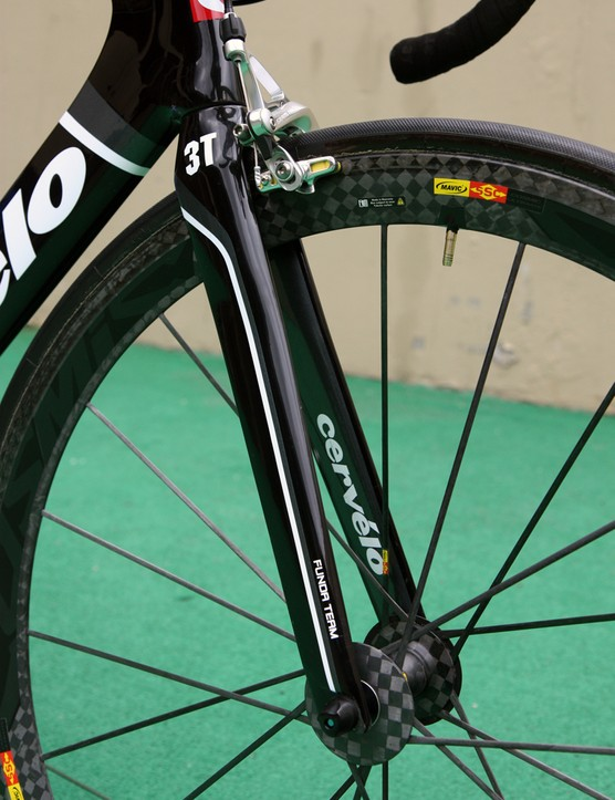 Cervelo apparently feel that 3T's Funda Pro fork is a worthy match to their S3 frame aerodynamics-wise