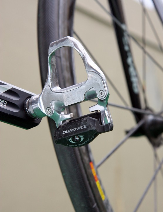 David Zabriskie (Garmin-Cervelo) likely has the option to use Shimano's latest carbon-bodied Dura-Ace pedals but doing so would put his bike below the UCI minimum weight