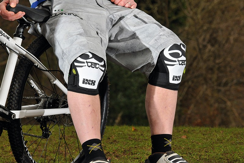 IXS Hack knee pads