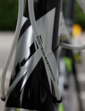 Menchov's bike is equipped with Gore's Ride-On Professional cables