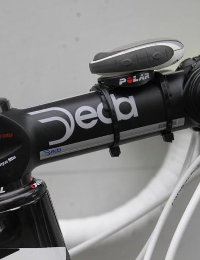 Menchov uses an extra long 140mm Deda Zero100 stem