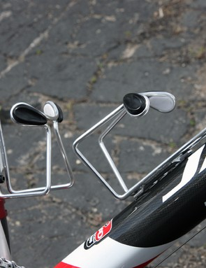Team Jamis Sutter Home have generic alloy cages fitted to team bikes at the Tour of California