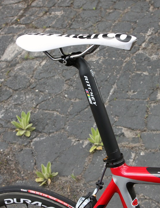Tom Zirbel (Jamis Sutter Home) uses an aluminum Ritchey WCS 1-Bolt seatpost