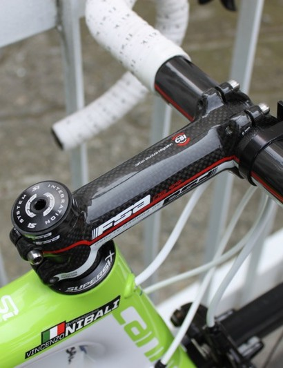 Nibali's 120mm FSA OS99 CSI stem is relatively short compared to some in the peloton