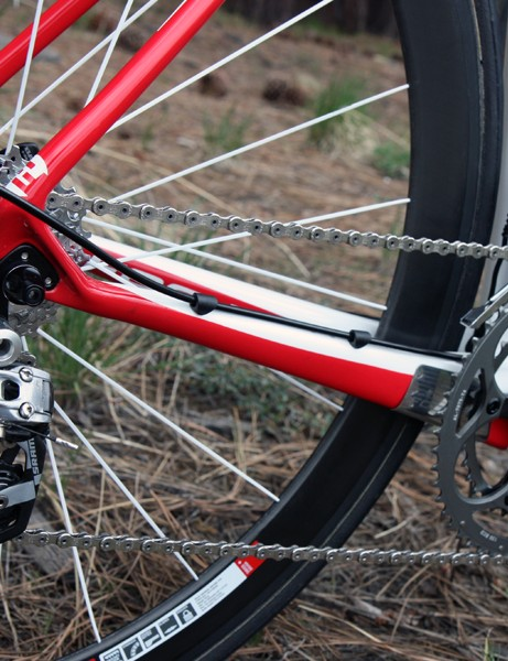 The rear derailleur housing runs atop the oversized chainstay on Jeremy Powers' (Jelly Belly p/b Kenda) Focus Izalco Pro