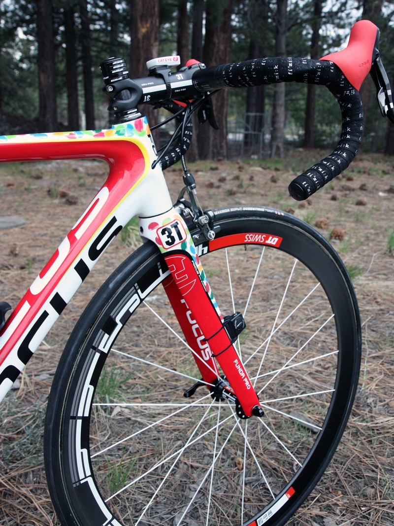 d09d9b816db DT Swiss provide the Jelly Belly p/b Kenda team with carbon fiber tubular  wheels