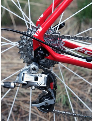 Jelly Belly p/b Kenda team bikes are mostly outfitted with SRAM Force but get an upgrade to Red for the rear derailleur