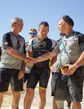 Bush, Armstrong and members of the Wounded Warrior Project