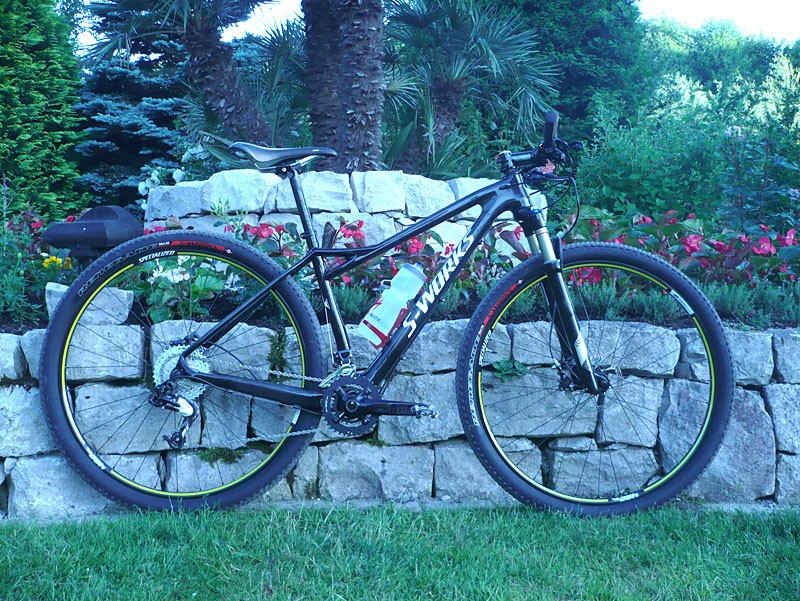 The 2012 Specialized Fate is the first women's carbon 29er hardtail in the world.