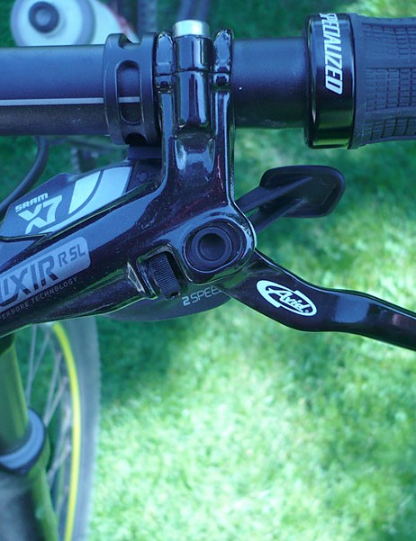Avid Elixir 5 SL brakes and SRAM X.7 shifters are on the Specialized Fate Comp.