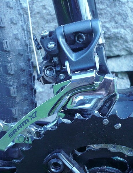 The Specialized Fate Comp will feature a SRAM X7 front derailler for a 2x10 drivetrain.  It's got a 34.9 clamp, top pull.
