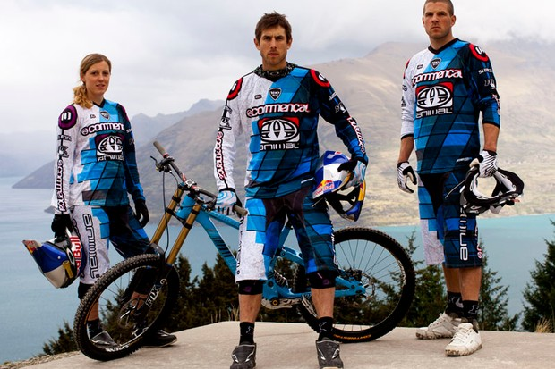 Dan, Gee and Rachel Atherton above Queenstown, New Zealand