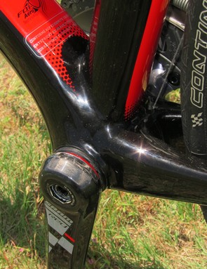 Scott use an 86.5mm-wide press-fit bottom bracket shell for the FOIL, which allows for a wider down tube and more broadly spaced chainstays