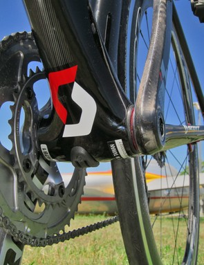 Unlike most aero road bikes, the tubes on the Scott FOIL are notably wide. The down tube in particular starts out big at the head tube and only gets bigger as it approaches the bottom bracket shell