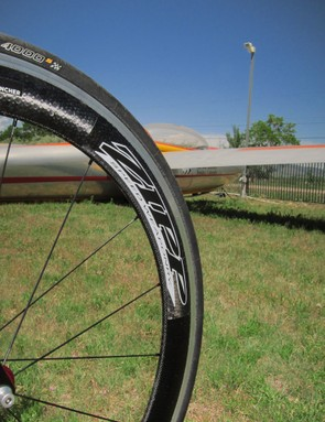 Zipp's 404 Clincher wheels are fast and rigid, though weight weenies might find them a touch heavy