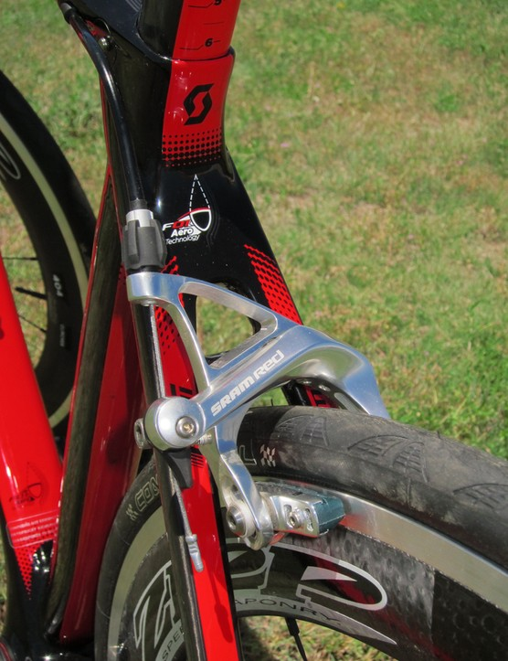 SRAM Red dual-pivot brake calipers are fitted with SwissStop pads