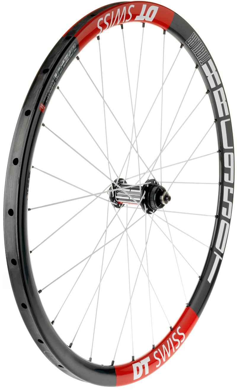 The DT Swiss XRC 950 T is a new tubular cross-country wheelset which was piloted to victory by Nino Schurter (Scott-Swisspower MTB Racing Team) at this year's first World Cup round in South Africa