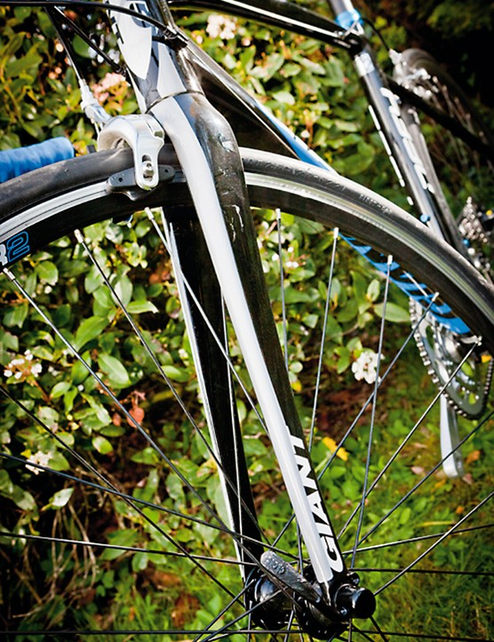 The tapered overdrive fork adds further accuracy to the Defy's balanced and friendly handling