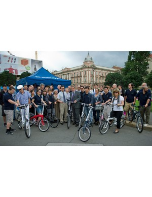 Milan Bandic, the Mayor of Zagreb (centre right), joined Dahon CEO Dr David Hon (centre left) and some of the company's distributors for a tour of Zagreb during the fourth annual Dahon International Distributor's Conference held in the Croatian capital this week