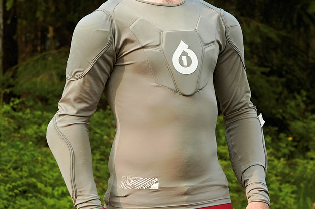 SixSixOne SubGear long sleeve body armour