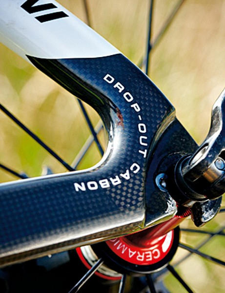 All-carbon dropouts shave plenty of weight