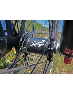 The trail-oriented WH-M778 Deore XT wheelset is available exclusively with a 15mm through-axle front hub. Sorry, folks, there's no 20mm option