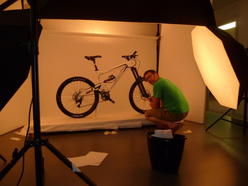 Orange leaked this picture on their Twitter feed today. Graphics may change for production bikes