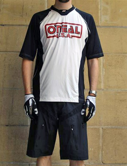 O'Neal's Pin It jersey and shorts are also available in black/white