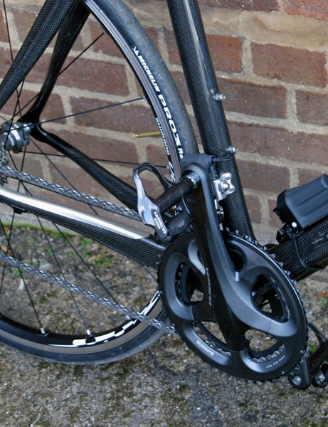 Ultegra and its Di2 variant get a slick 'glossy grey' finish, but the battery on the electronic version looks remarkably similar to that of Dura-Ace Di2