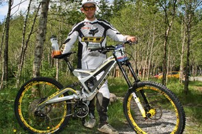 Marc Beaumont's GT Fury is one of the few carbon fibre downhill bikes on the World Cup circuit