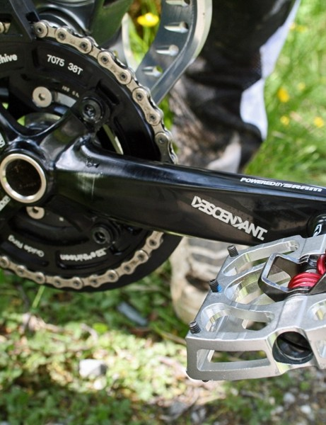 Beaumont uses CrankBrothers Mallet clipless pedals for downhill