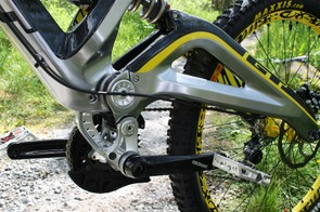 The Fury uses GT's Independent Drivetrain suspension system...