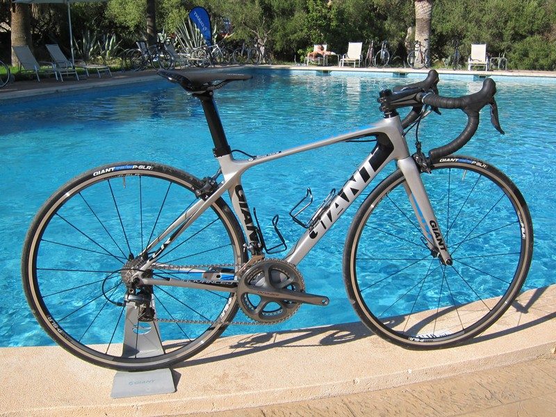 The new TCR Advanced loses the integrated seatpost and the carbon fiber dropouts and bottom bracket sleeve of the TCR Advanced SL but claimed frame weight is still a very impressive 908g - a drop of 60g from the previous iteration.