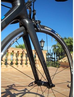Claimed weight on the new TCR Advanced SL's OverDrive2 tapered fork is 330g - a mere 2g drop - but steering stiffness has supposedly jumped a whopping 34 percent thanks to its bigger 1 1/4-to-1 1/2in tapered steerer tube.