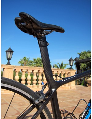 Giant pioneered the widespread use of integrated seatposts and continues to push the concept on its top-end TCR Advanced SL.
