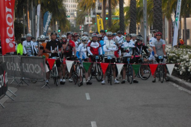The calm before the storm, the line up for the Los Angeles Gran Fondo on Rodeo Drive